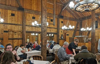 barn-restaurant-dining-room