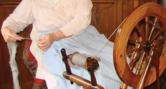 Spinning yarn on a spinning wheel