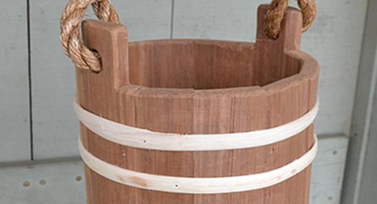 wood-bucket-lng