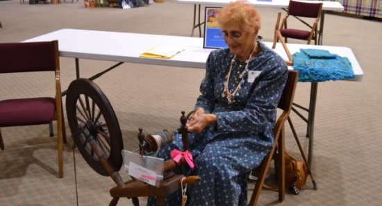 fiber arts fest spinning demonstration founders hall