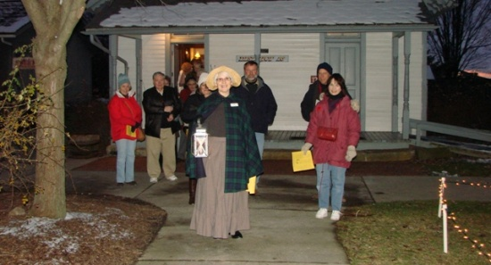 holiday lantern tour