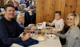 Family-dining-at-Barn-Restaurant