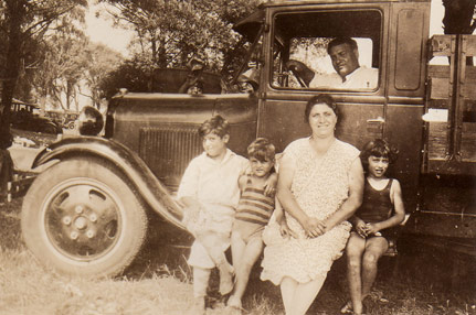 Old-time-family-photo