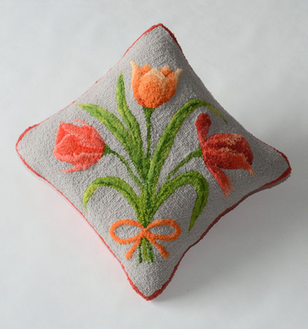 Tulip-hooked-rug-pillow