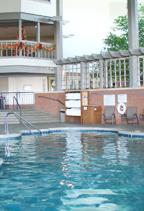 Heritage-Inn-Pool-Christmas