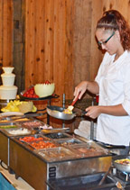 Made-to-Order-Omelets-at-Barn-Restaurant-Brunch
